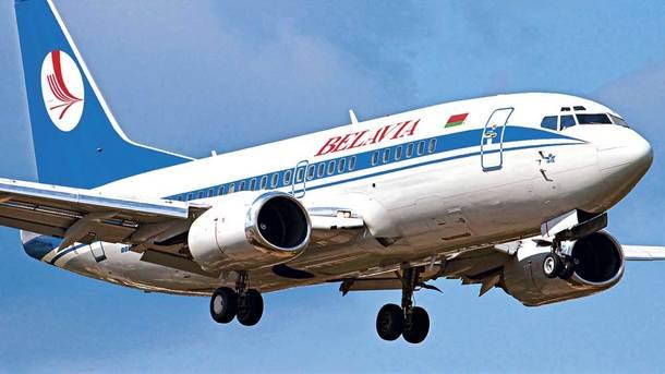 Летевший вПетербург самолет вернулся вМинск после столкновения сптицами