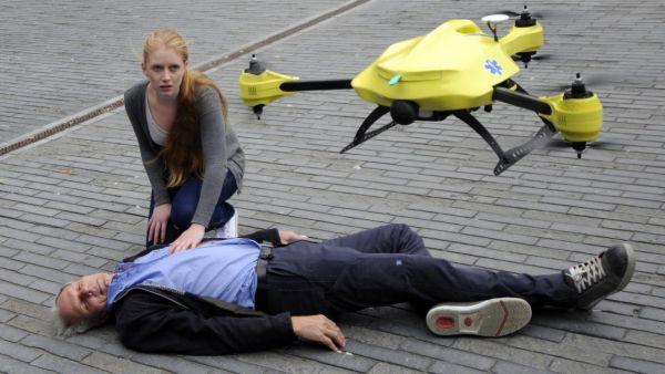 ambulance-drone-tu-delft_1__