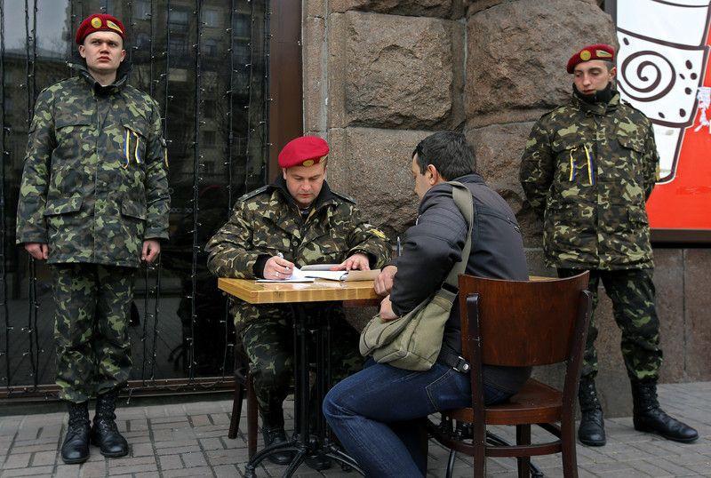 Шестая волна мобилизации: кого заберут в армию и почему у военкомов будут проблемы, фото-1