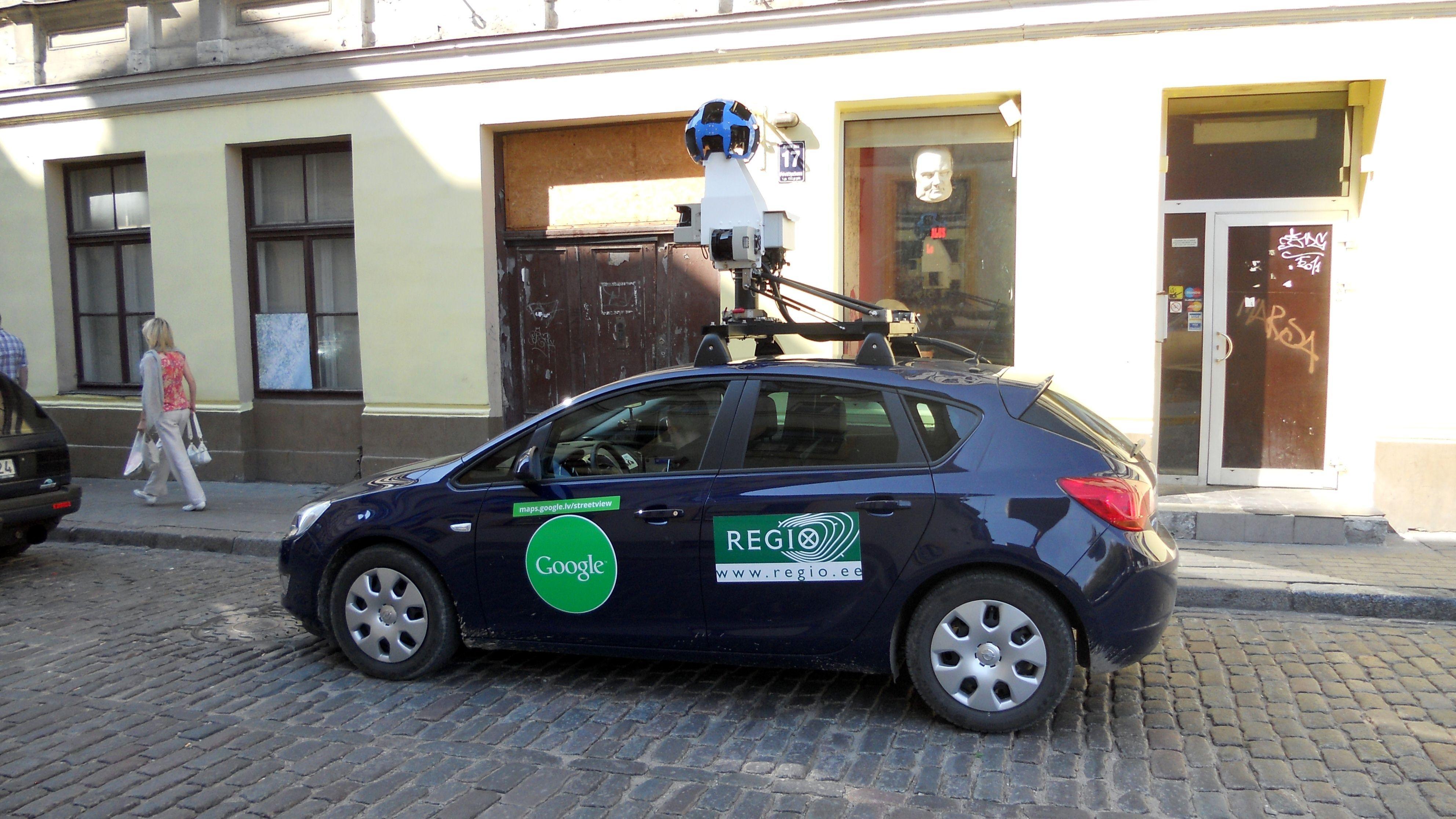 2-google-street-view-car-in-riga_1__