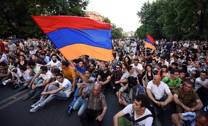 Прямой эфир Майдана в Армении