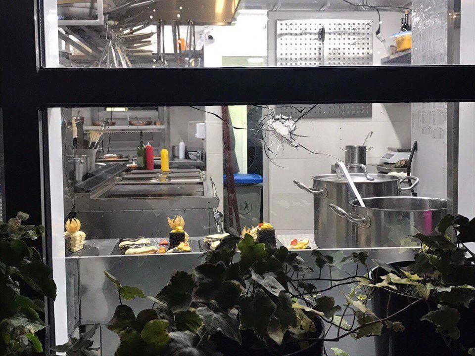 Вкиевском ресторане неизвестный устроил стрельбу, есть пострадавшие