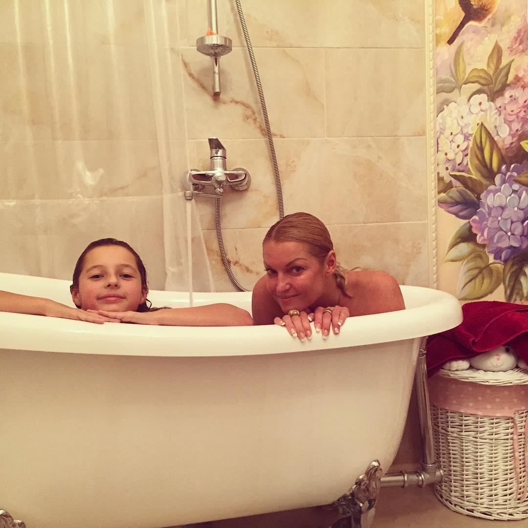 Фото ванны голые 5 фотография