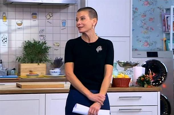 Почему Юлия Высоцкая отрезала волосы