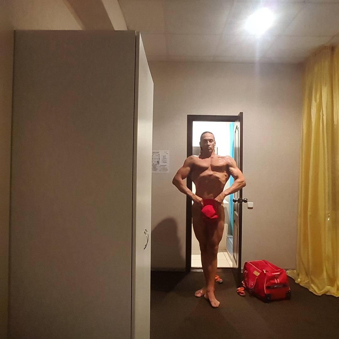 Фото с голым мужем 26 фотография