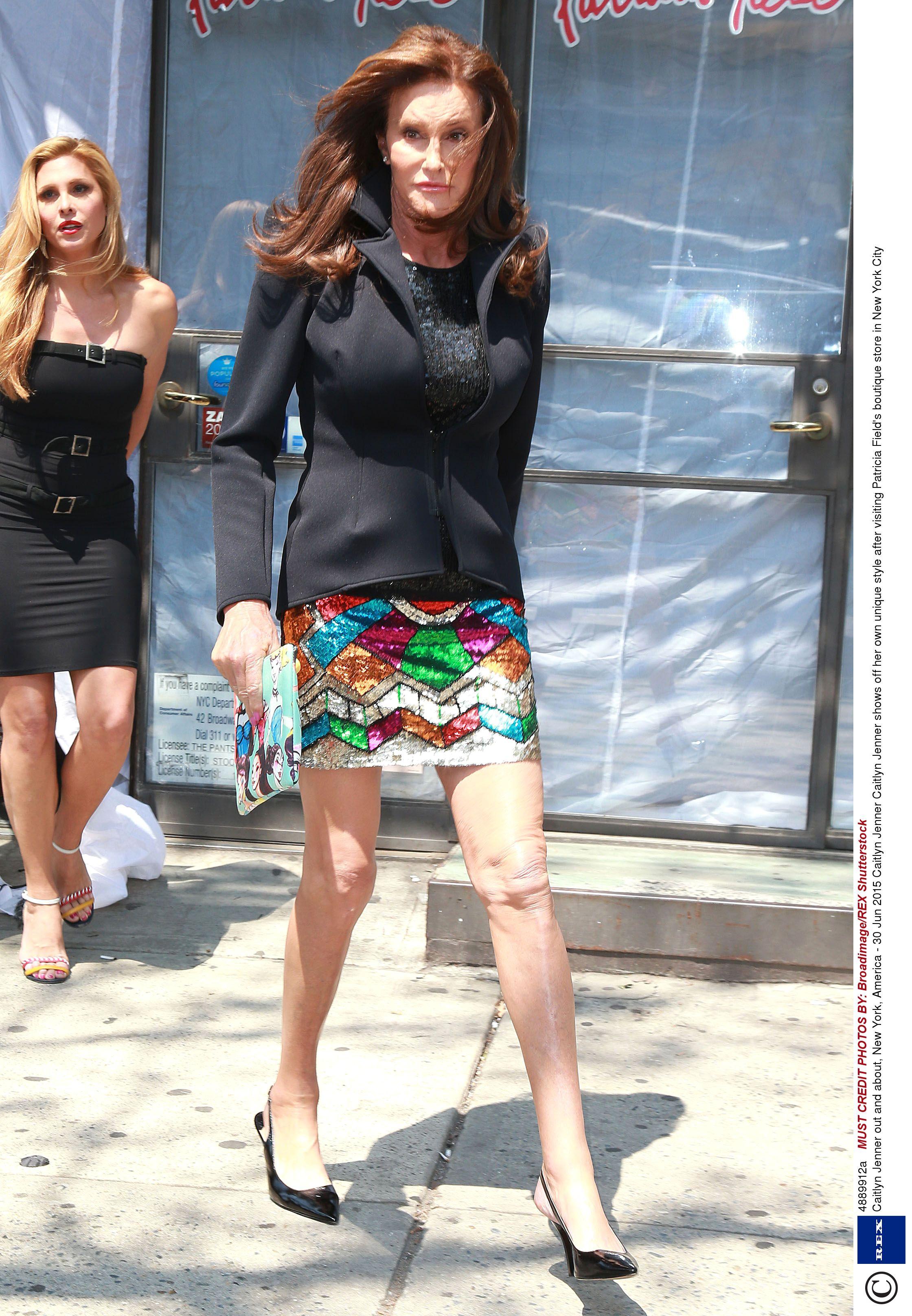 Фото под юбку российским знаменитостям 11 фотография