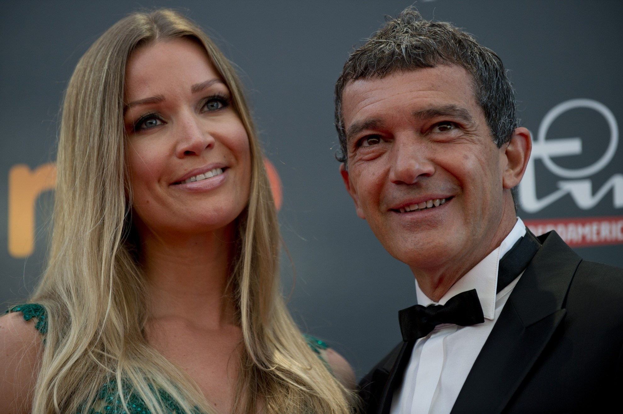 antonio_banderas_r_and_his_girlfriend_nicole_3