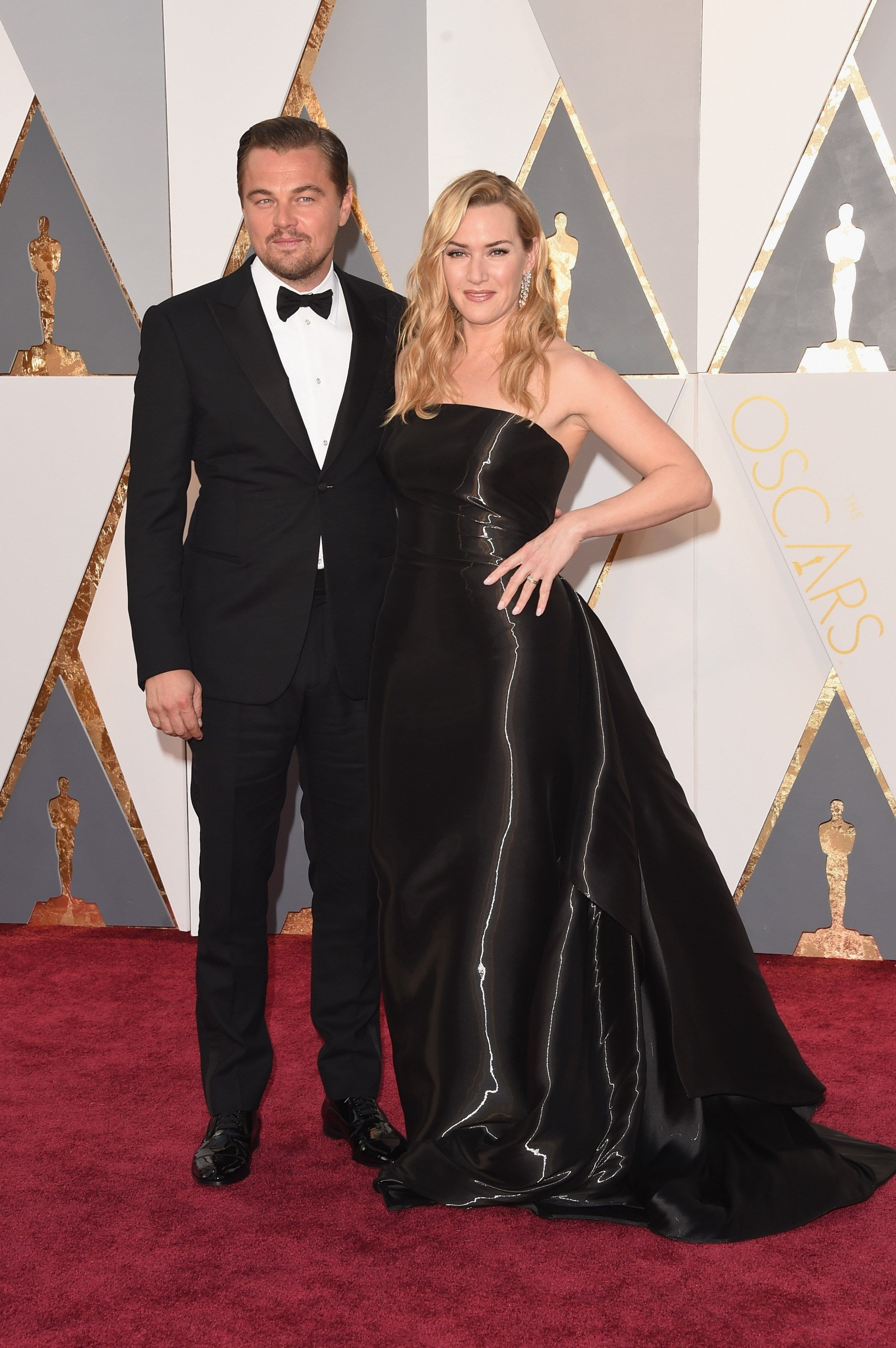 leonardo_dicaprio_l_and_kate_winslet_attend_th7