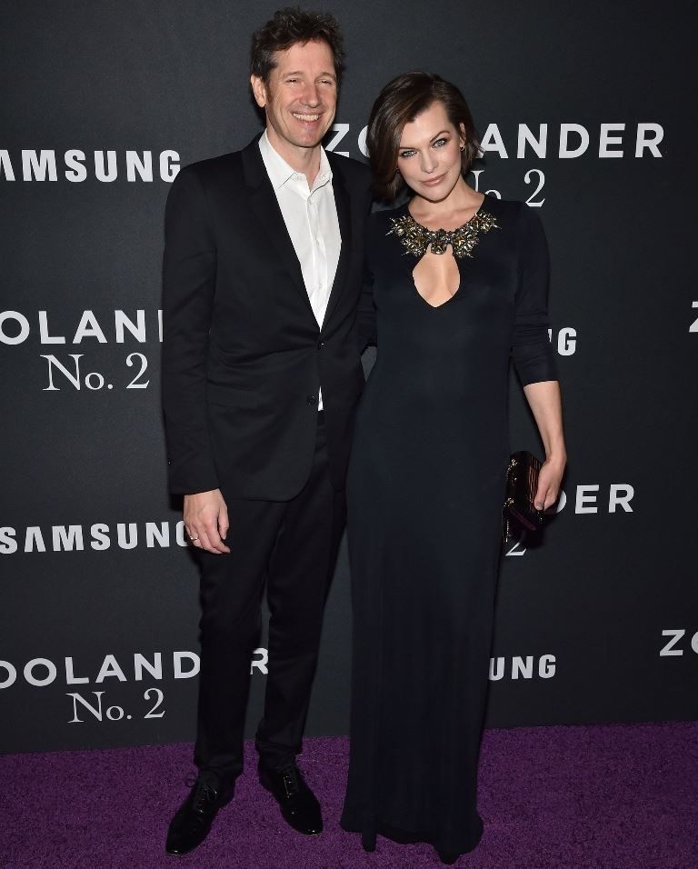 milla_jovovich_with_guest