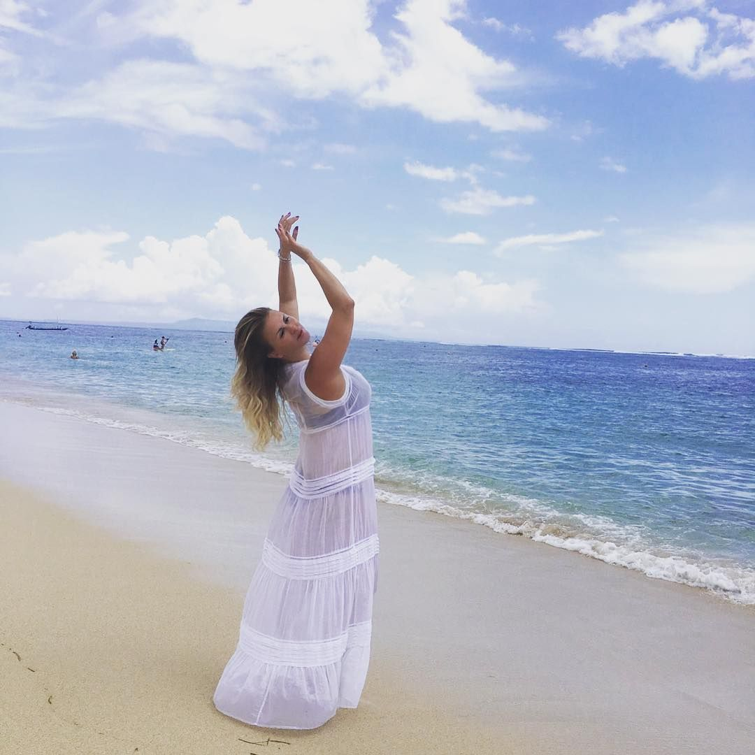 Фото семенович в на пляже