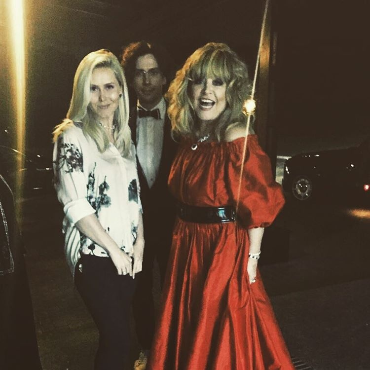 Алла в красном платье