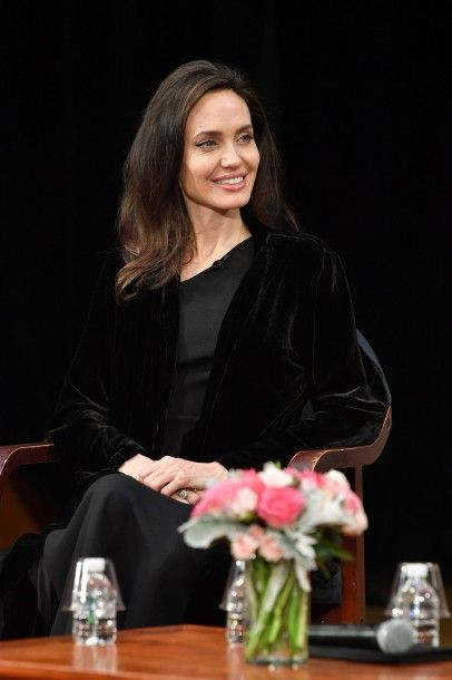 angelina_jolie_attends_the2_01