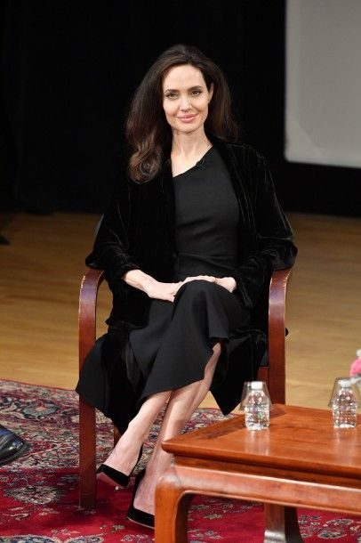 angelina_jolie_attends_the_01