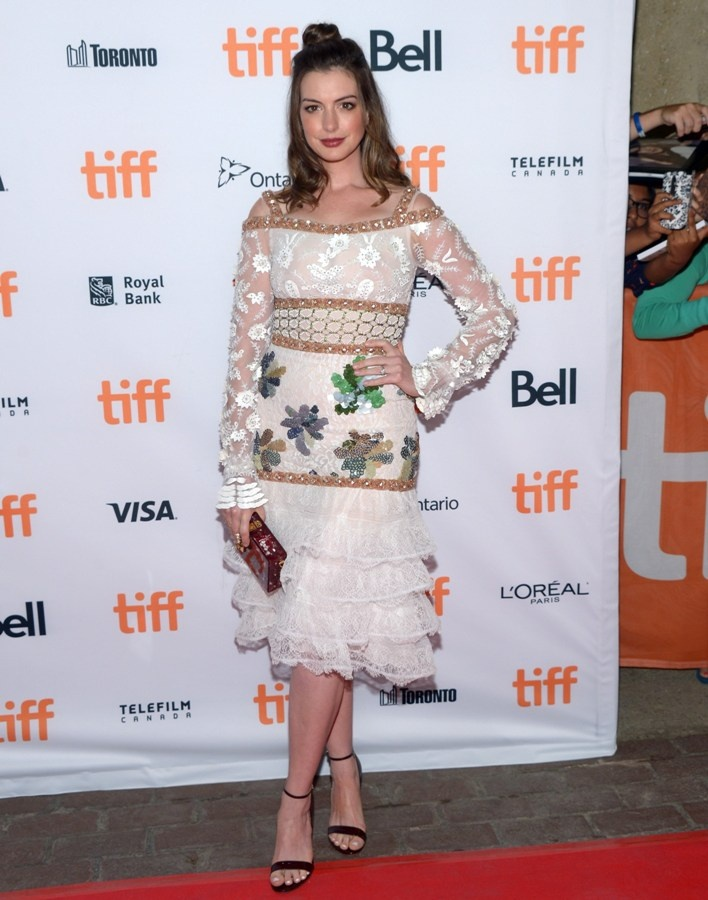anne_hathaway_attends_th