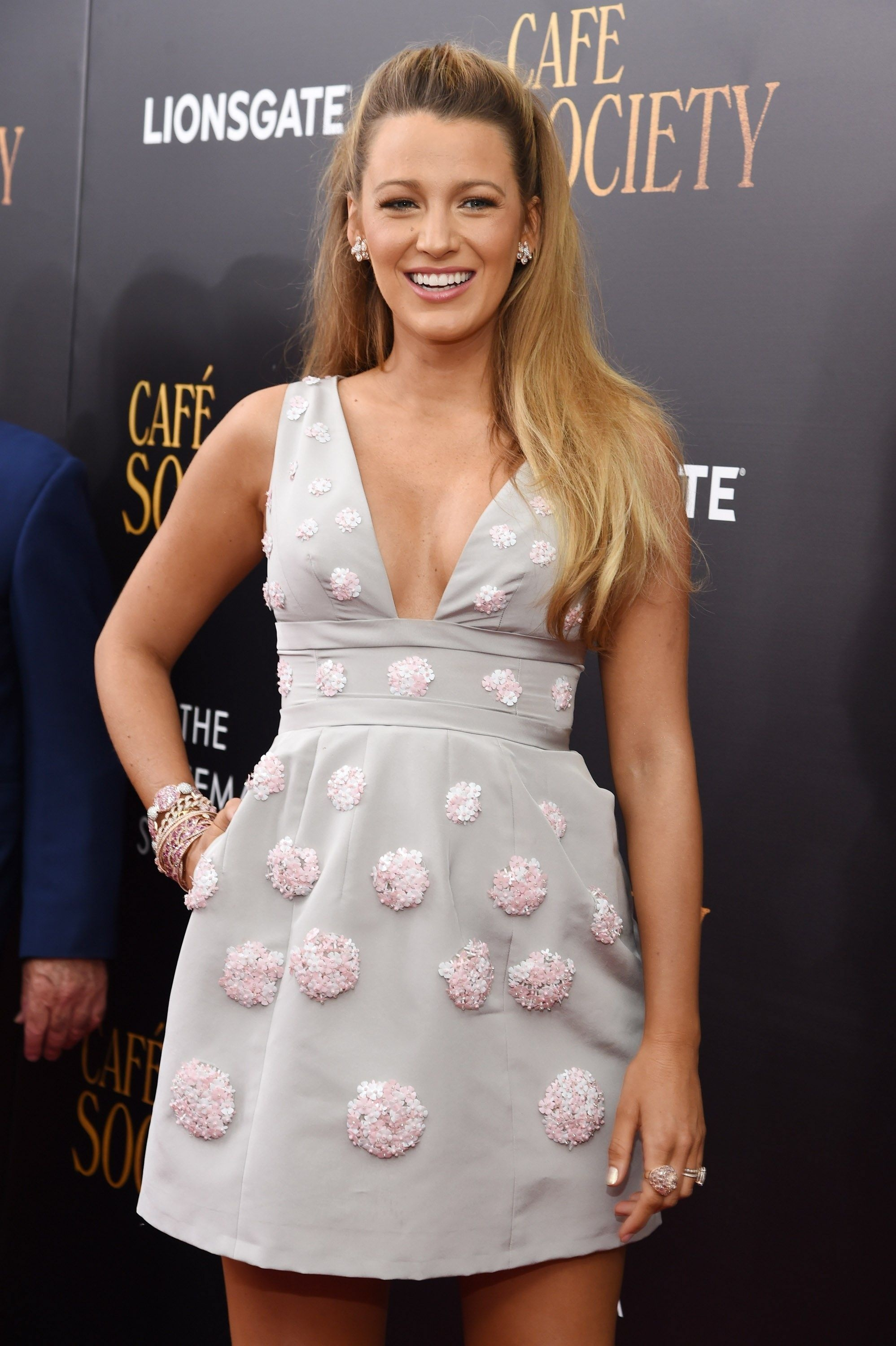 blake_lively_attends_the_premiere7