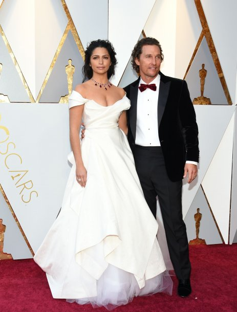 camila_alves_and_actor_matthew_mcconaughey_a