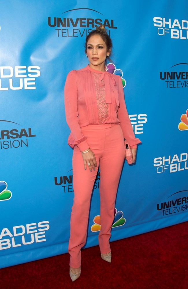 jennifer_lopez_attends_the_shades_of_blue_television