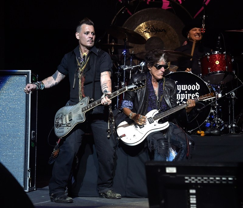 johnny_depp_and_joe_perry_t_coney