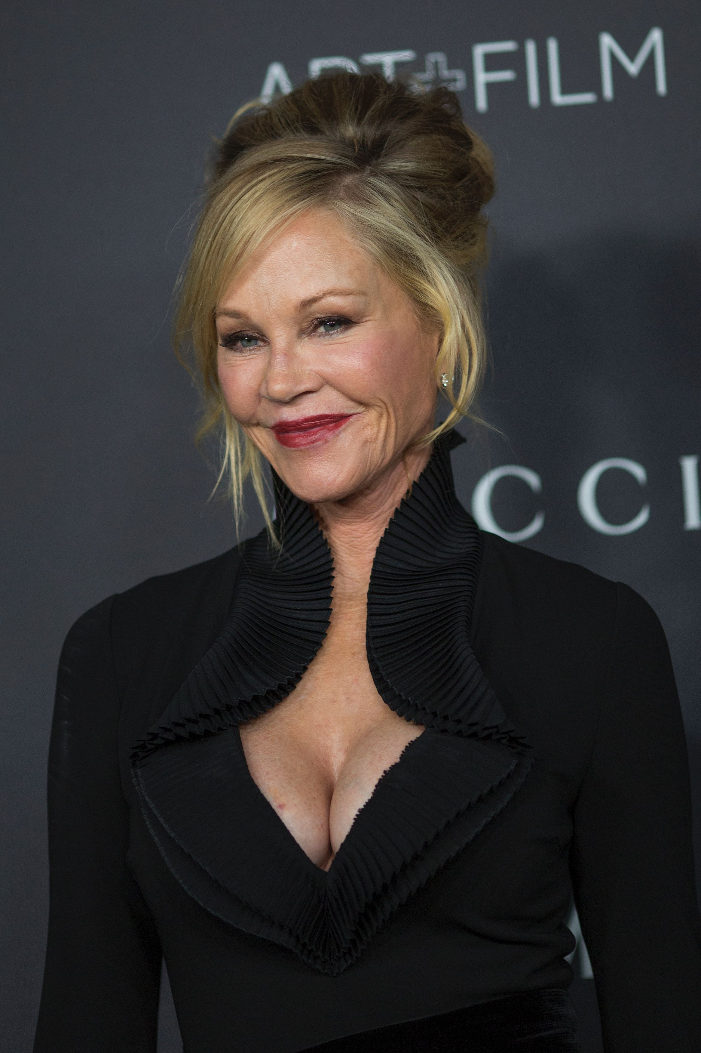 melanie_griffith_attends_the_2016_2