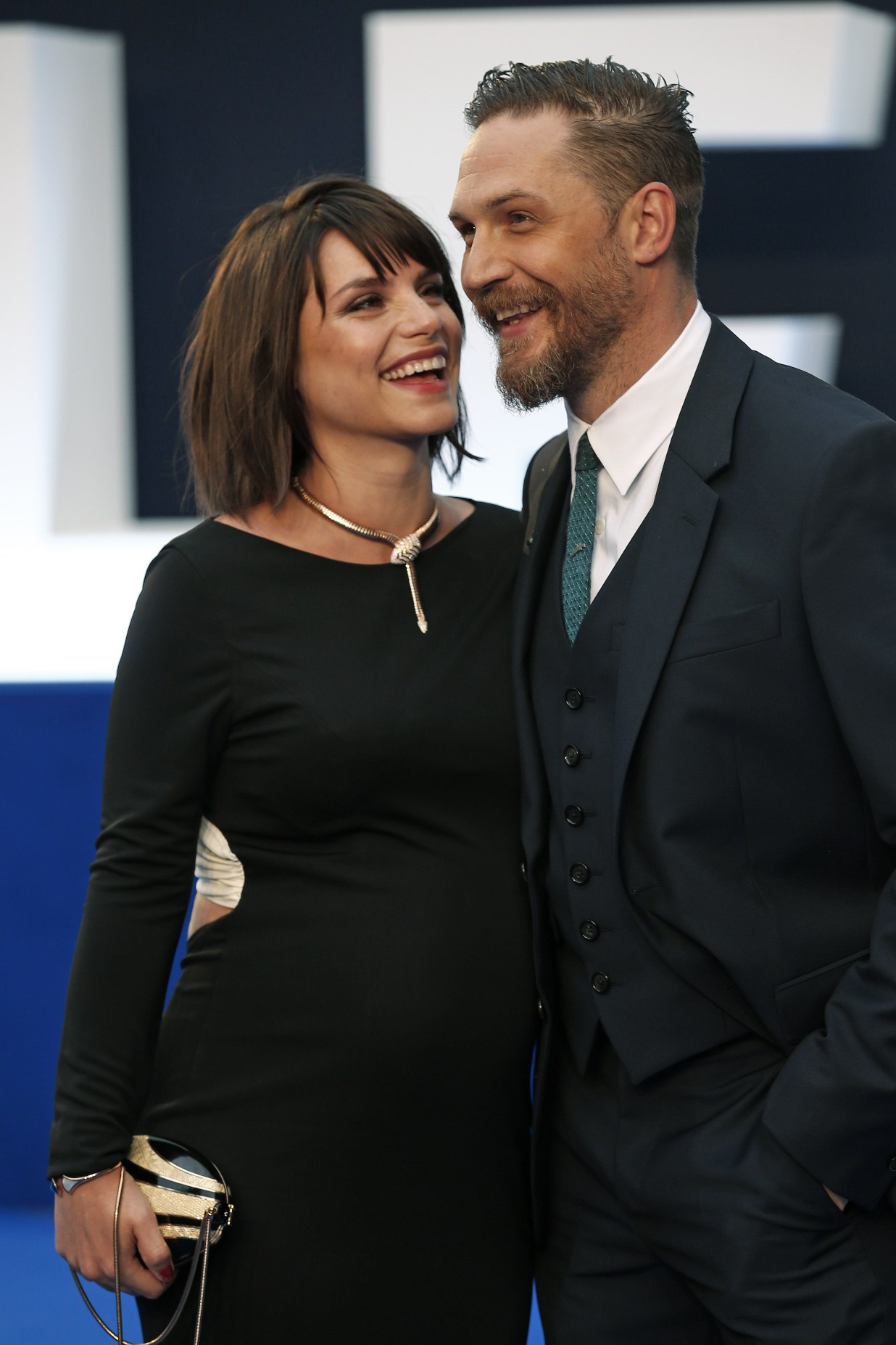 tom_hardy_and_his_wife_charlotte_riley_p