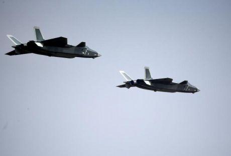 КНР представил новый истребитель Chengdu J-20