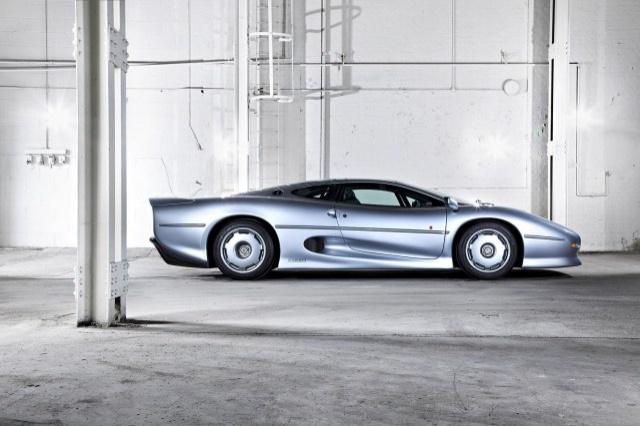 8-jaguar-xj220