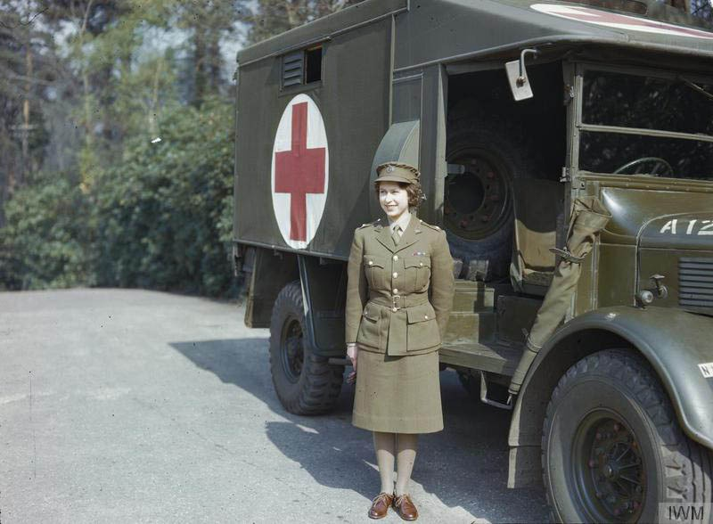 elizabeth_serving_during_wwii