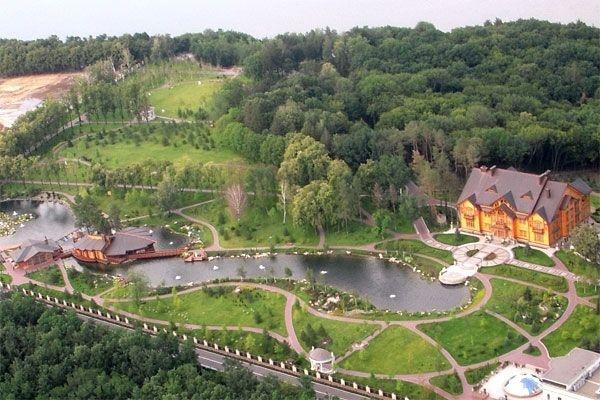Дома президентов Украины: шик, роскошь и фруктовые сады (фото) - фото 7
