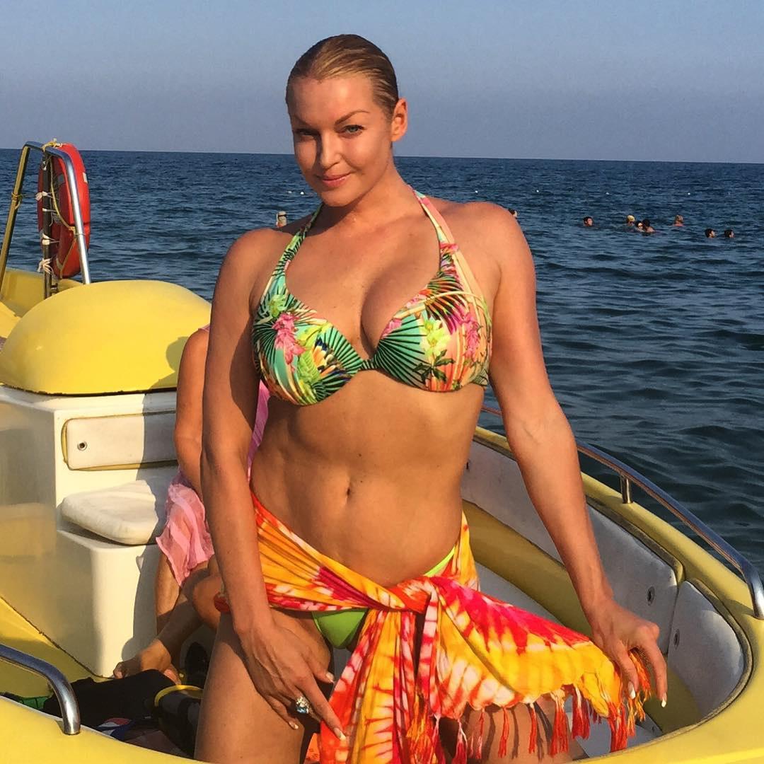 Украинские женщины в бикини 13 фотография