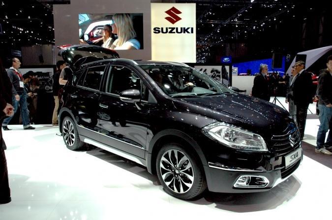 Suzuki SX-4 2013.