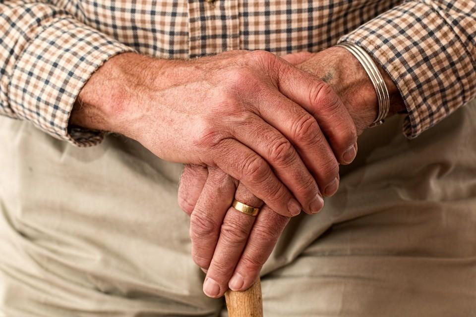 hands-981400_960_720_01