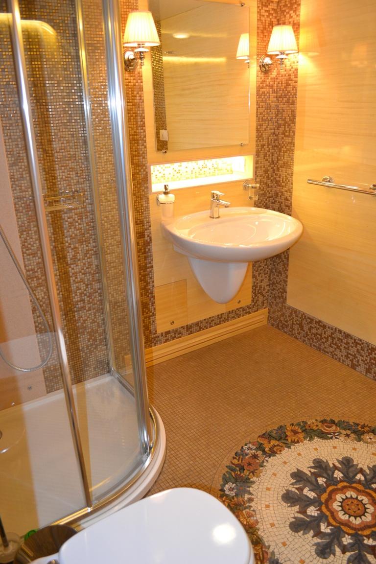 «Укрзализныця» для ВИП-клиентов пустила элитный вагон с двумя спальнями и кабинетом, фото-2