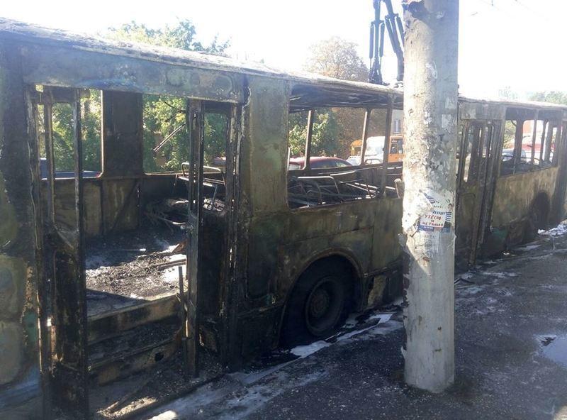 ВОдессе сгорел троллейбус
