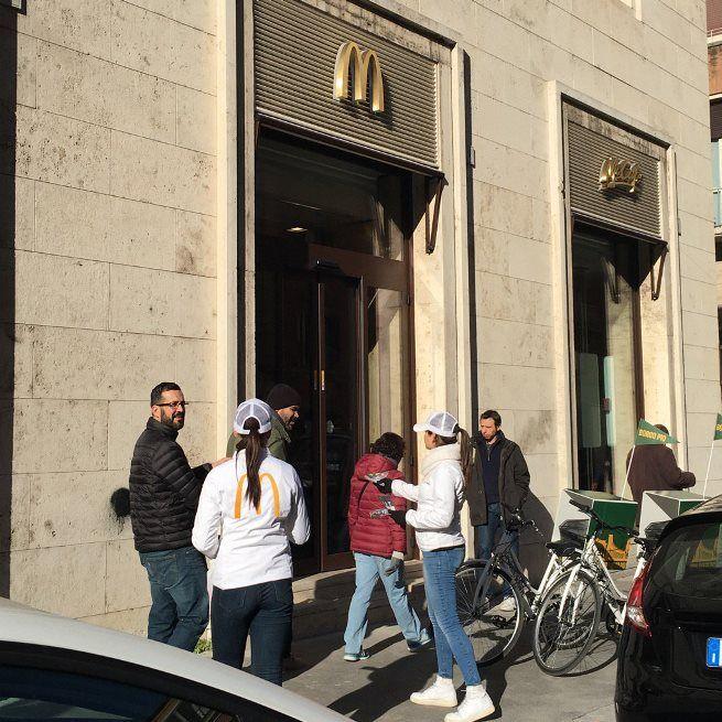 Впринадлежащем Ватикану помещении открыли McDonald's