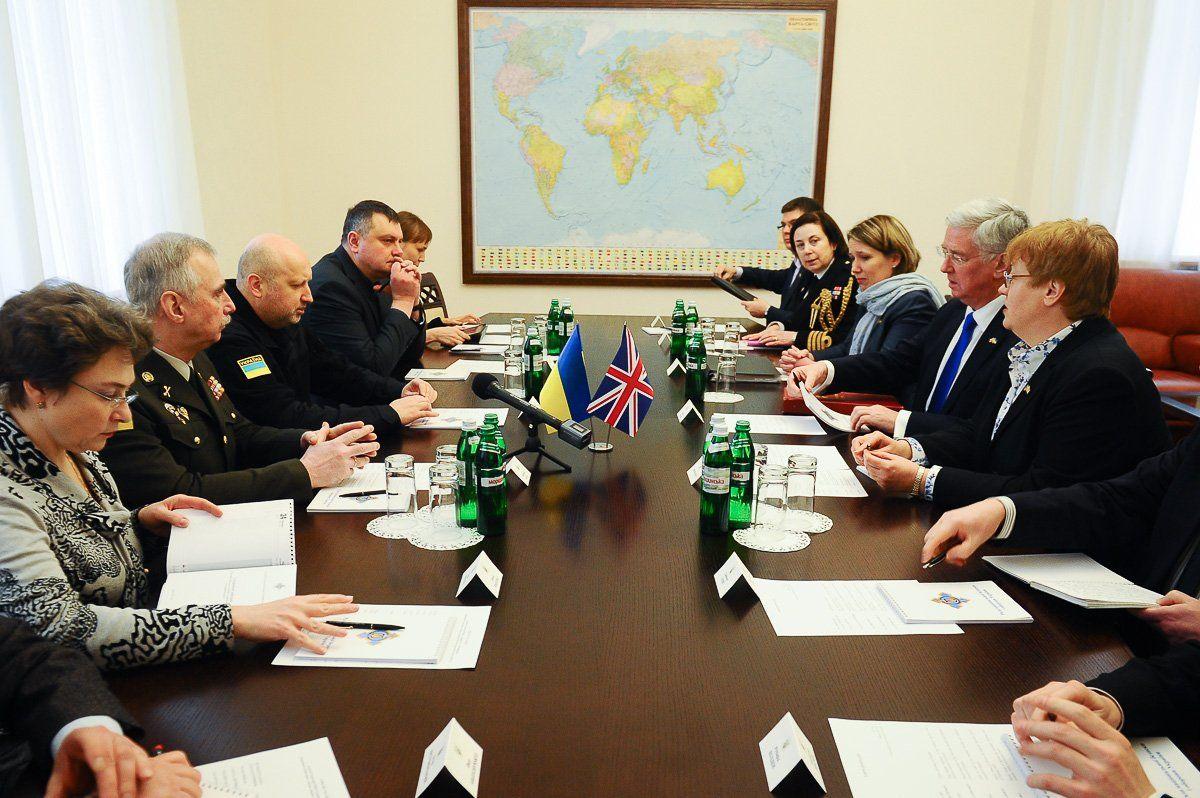 Турчинов: безопасность Европы зависит отоборонного потенциала государства Украины