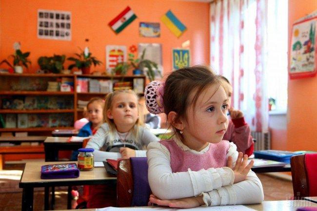 Без парт и учебников: реформа образования споткнулась о местные власти, фото-1