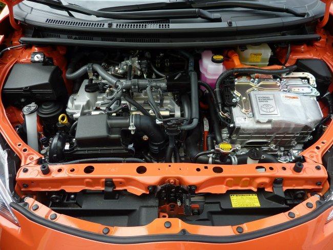 car-engine-231213_1920