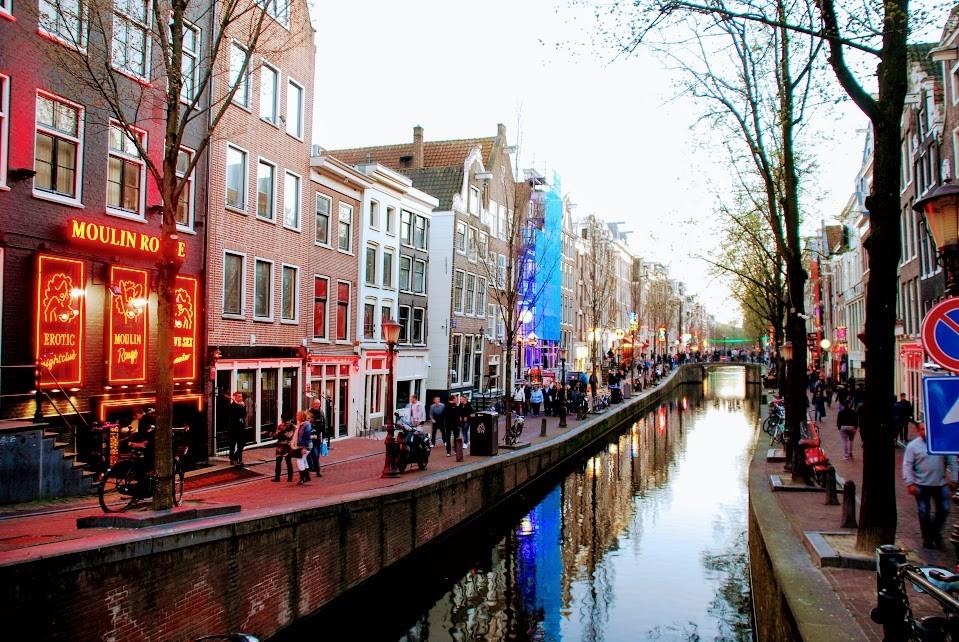 Публичный секс в амстердаме смотреть онлайн