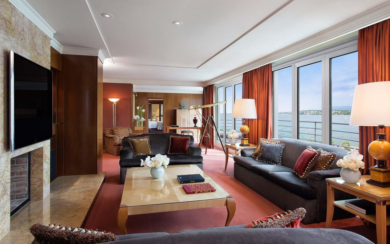sitting-room-hotel-president-wilson-geneva-expensivesuite1017