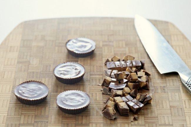 7d77267934143899_chopping-peanut-butter-cups.xxxlarge_2x