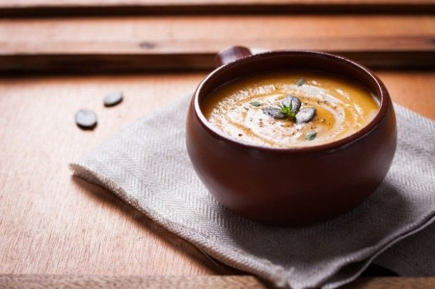 bowl-with-delicious-pumpkin-soup_1220-478_01