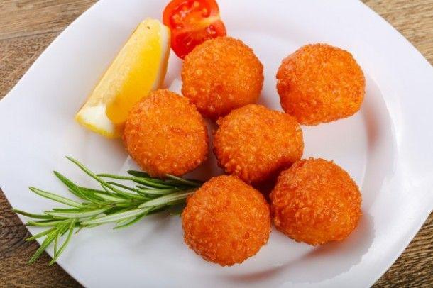 cheese-balls_1472-271