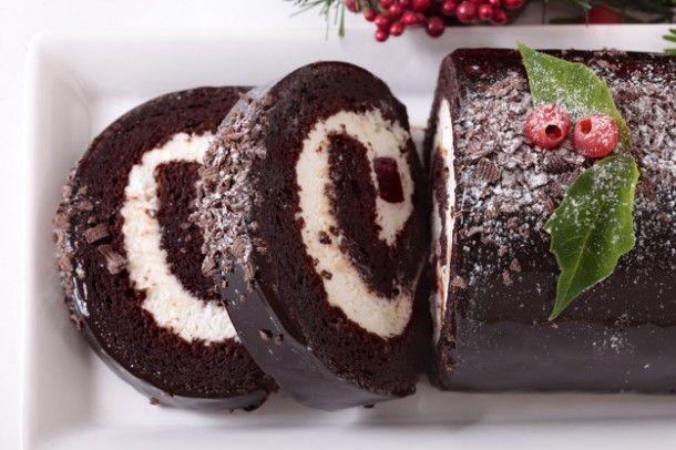 christmas-yule-cake-close-up_1147-270