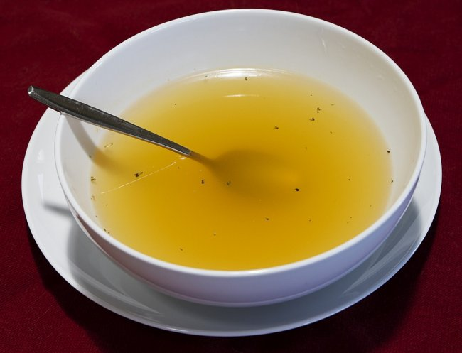 Five Best Home Remedies For A Sore Throat