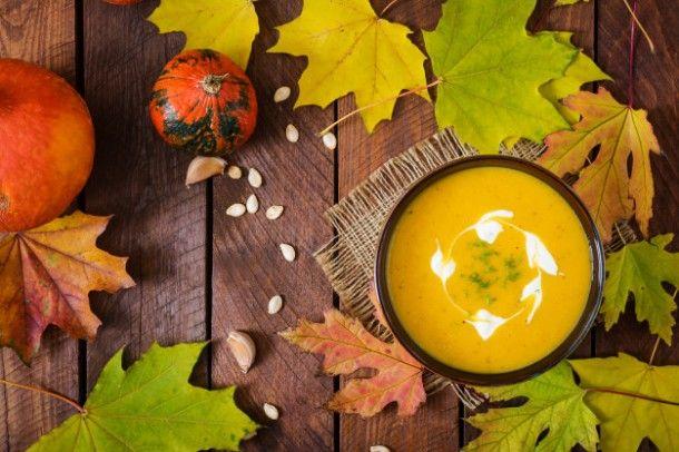 cream-of-pumpkin-soup-with-sour-cream-sauce-halloween_2829-644