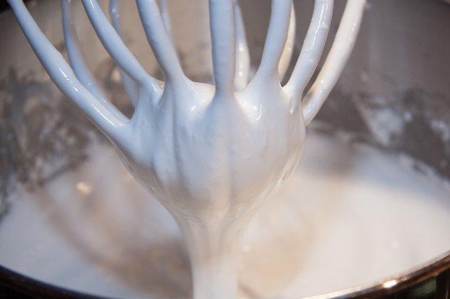 egg-white-snow-232655_960_720