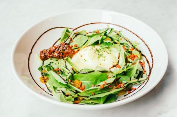 eggs-benedict-salad_1203-9375_01