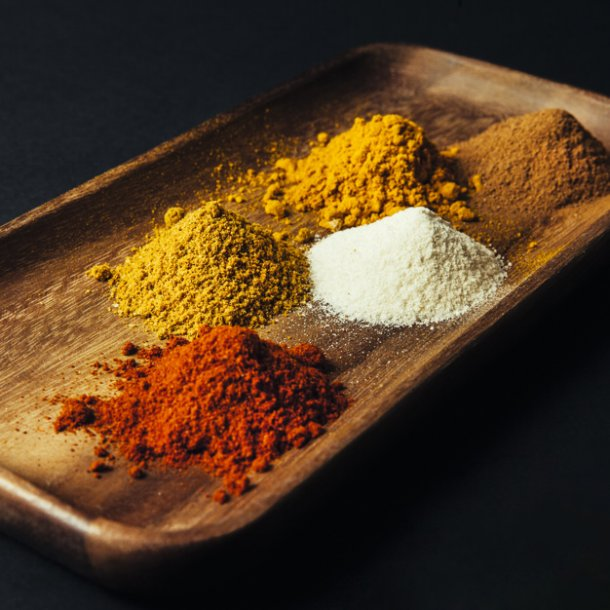 five-spices-on-board-decoration_23-2147684927