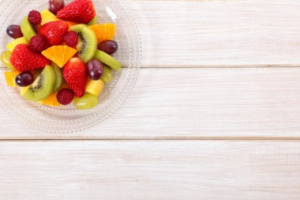 mixed-fresh-fruits-on-a-wooden-table_1147-58_01