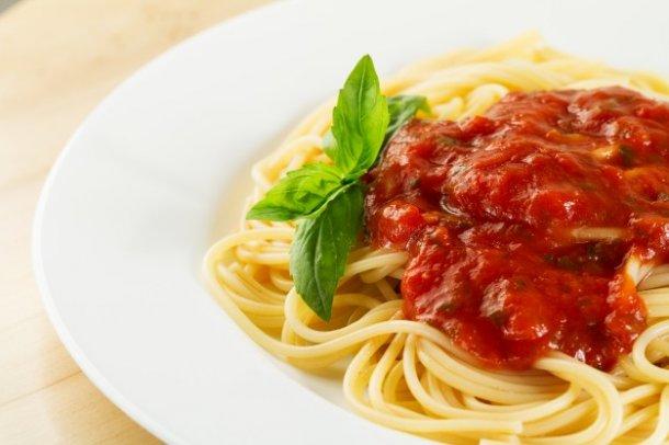plate-basil-cherry-gourmet-menu_1220-1184